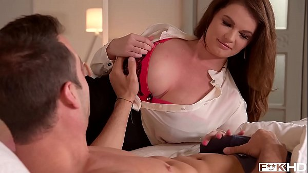 Chubby Milf Tasha Holz gets fucked balls deep on the bed