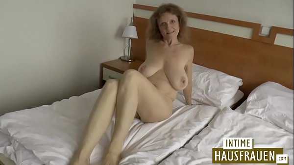 Hanging Tits Brunette Mature Making her First Homemade Sex Tape
