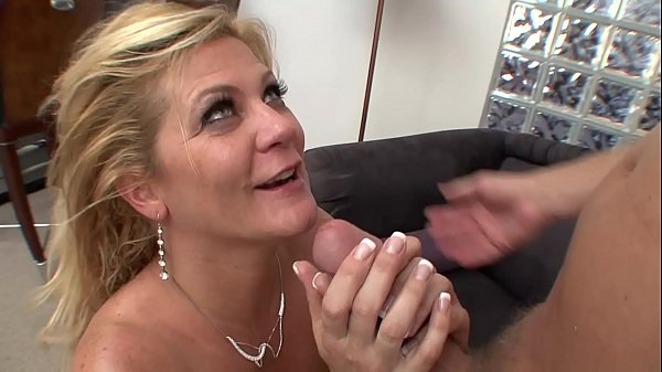 Mature German slut gets fucked deutscheporno