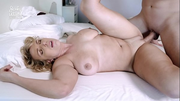 XnX HD video Hot Busty Milf has Sex on Webcam